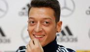 Mesut Özil'in Londra'daki Saray Yavrusu Evinden Kareler