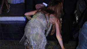 Lindsay Lohan Yere Kapaklandı