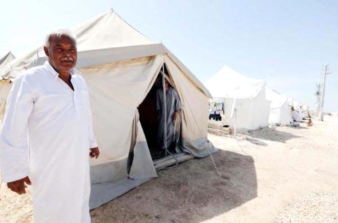 Suriyeli Mülteciler Kaldırımlarda Yatıp Kalkıyorlar