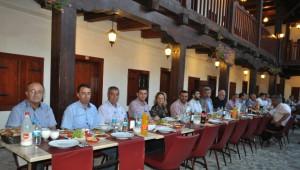 Başkan Edis, Belediye Çalışanlarıyla Bir Araya Geldi