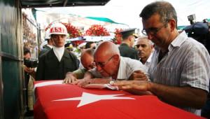 İzmirli Şehit Son Yolculuğuna Uğurlandı