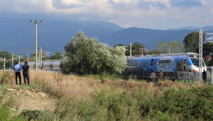 Yüksek Hızlı Tren'in İlk Seferinde Arıza (2)