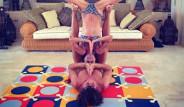 Efsane Futbolcudan Kız Arkadaşıyla Romantik Yoga