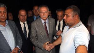 Ekmeleddin İhsanoğlu'dan Göğebakan Ailesine Taziye Ziyareti
