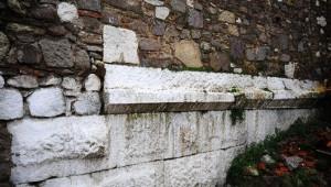 Kadifekale'de Antik Tiyatro'ya İlk Kazma Vuruluyor