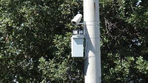 Köylerdeki Mobese Elektrik Direklerine Takıldı