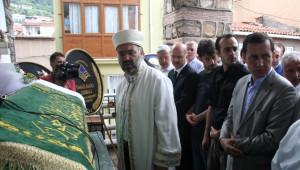 Başbakan Yardımcısı İşler, Hocasının Cenazesinde Göz Yaşlarına Hakim Olamadı