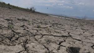 Obruk Barajı'nda Korkutan Görüntü