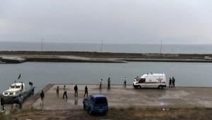 Van Gölü'nde Tekne Battı, 3 Kişi Son Anda Kurtarıldı