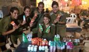 İsrailli Kadın Askerlere Güzellik Seti Ödülü
