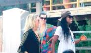 Kate Moss ve Naomi Campbell Bodrum'da Olay Çıkardı