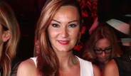 Pınar Altuğ, Teknede Fotoğraflarını Çekenlere Ateş Püskürdü