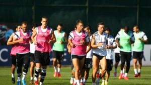 Beşiktaş, Arsenal Maçının Hazırlıklarını Sürdürdü