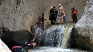 Zinav Kanyonu'nda Zorlu Yürüyüş