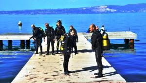 Karamürsel'de 20 Metre Derinliğe Batırılan Gemi, Dalgıçların Gözdesi Oldu