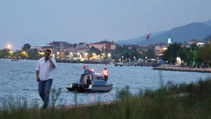 Karamürsel Sahilinde Denizden Biri Kadın 2'si Çocuk 3 Ceset Çıktı