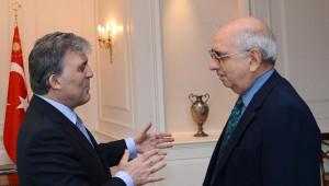 Cumhurbaşkanı Gül, Feroz Ahmad'a Liyakat Nişanı Tevcih Etti