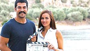 Fahriye Evcen Film Setini Birbirine Kattı