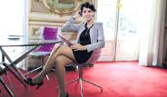 Fransa Kabinesini Güzelliğiyle Büyülüyor