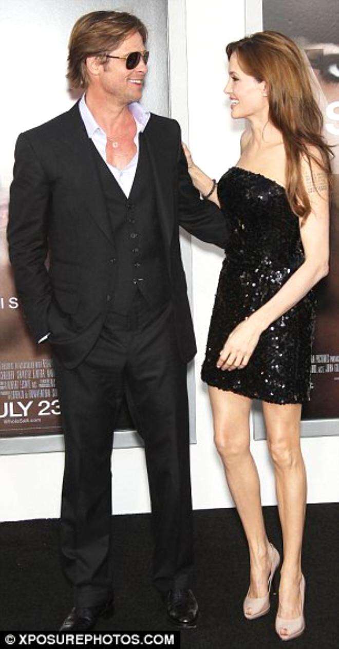 Angelina Jolie ile Brad Pitt'in Düğünden İlk Kare