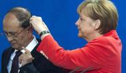 Merkel Kulaklık Taktı, Espiriler Patladı