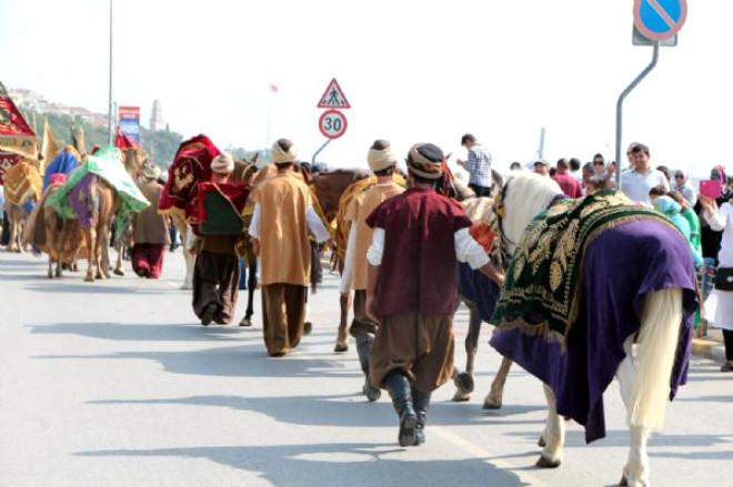 Hacılara Osmanlı Usulü Uğurlama