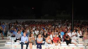 Antakya Medeniyetler Korosu Soma İçin Alaçatı'da Sahne Aldı