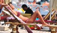 Demet Akalın Bodrum'da Tatil yaparken Görüntülendi