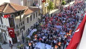 İzmir'in Düşman İşgalinden Kurtuluşu Coşkuyla Kutlandı