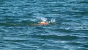 70 Yaşındaki Yaşlı Adam Eğirdir Gölü'nü Yüzerek Geçti