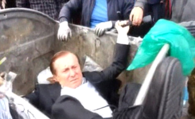 Ukrayna Milletvekili Çöpe Atıldı
