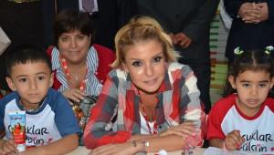 Gülben Ergen Soma'da Anaokulunu Açtı