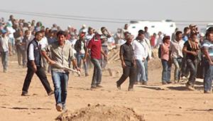 Kobani'den Kaçanlar Geceyi Çadırda Geçirdi