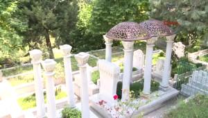 Zeki Müren'in Babasının Mezarından Çalınan Kubbe Yerine Konuldu