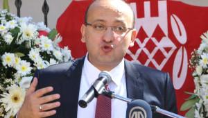 Akdoğan: 1.5 Milyon Göçmene Ev Sahipliği Yapıyoruz