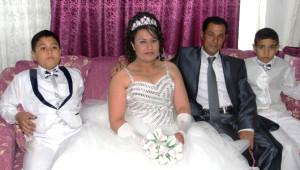 15 Yıl Sonra Gelinlik Giyip Düğün Yaptırdı