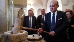 Akdoğan: Eleştirelim Ama, Biraz da Türkiye'ye Teşekkür Etmek Lazım(3)