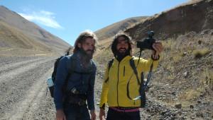 80 Günde Beş Kuruş Parasız Otostop Çekerek Dünya Turu Yapıyorlar