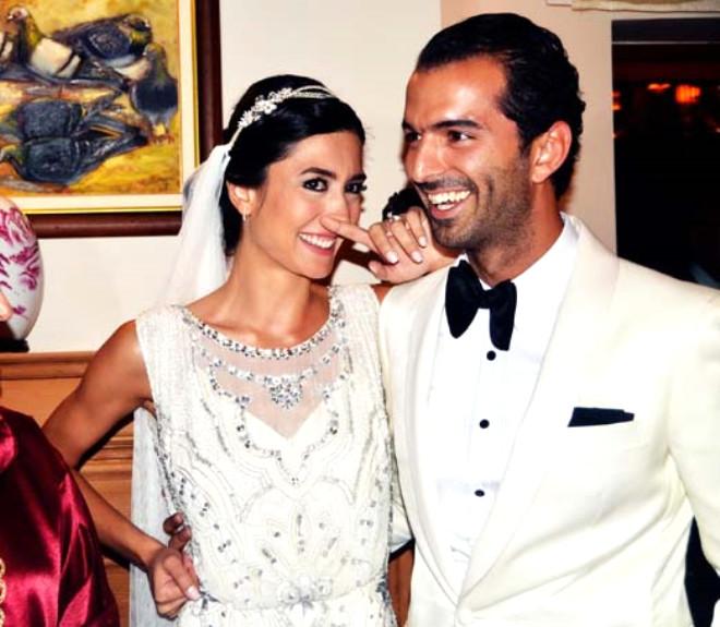 Kanal D spikeri Gözde Altun ile Emirhan Kökçü Evlendi