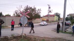 Akşehir'de Yük Treni Öğrenci Servisine Çarptı: 1 Ölü, 18 Yaralı