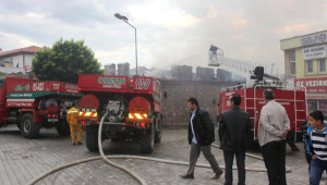 Samsun'da Tarihi Taşhan'da Yangın