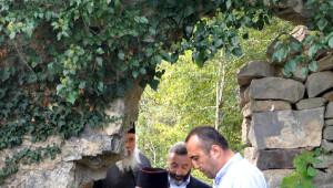 Patrik Bartholomeos Maçka' da Kızlar Manastırını Ziyaret Etti