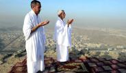 Hacı Adayları Sevr Dağı'na Akın Ediyor
