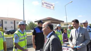 Kırıkkale Valisi ve Emniyet Müdürü Sürücüleri Uyardı