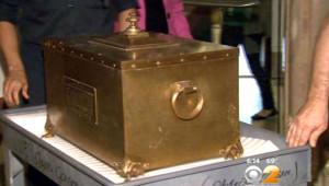 Asırlık Zaman Kapsülü New York'ta Açıldı