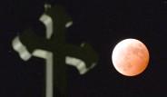 Kanlı Ay Tutulmasından Büyüleyici Kareler!