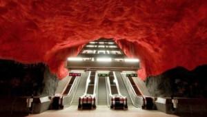 Stockholm'ün Çılgın Metro İstasyonları