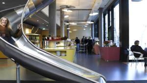 Böyle Olur 10 Bin Lira Maaşlı İşlerin Ofisleri