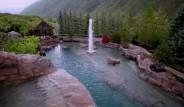 Arka Bahçesinde 2 Milyon Dolarlık Havuz Var