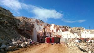 İşçileri Taşıyan Kamyonet Uçuruma Yuvarlandı: 4 Ölü, 11 Yaralı